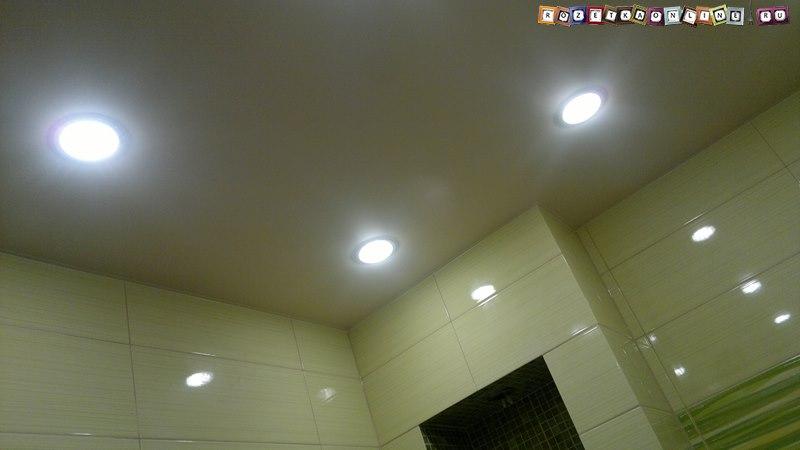 Светильники Ecola в натяжном потолке, фото в интерьере