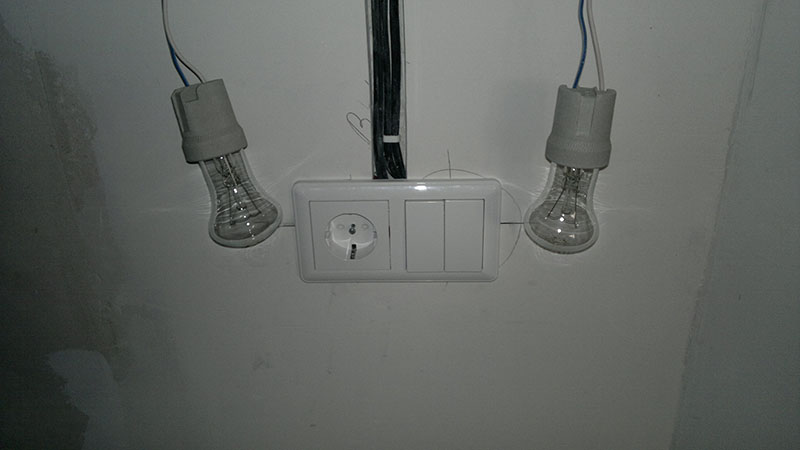 Подключение двухклавишного выключателя от розетки