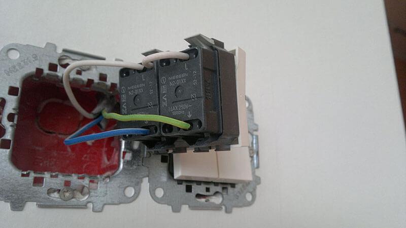 Как подключить провода к двойному выключателю